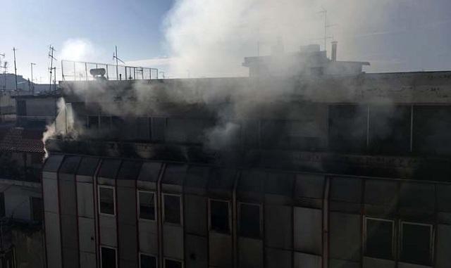 Πως έπιασε φωτιά το κτίριο της Β ΔΟΥ Λάρισας: Τι δείχνουν οι πρώτες εκτιμήσεις