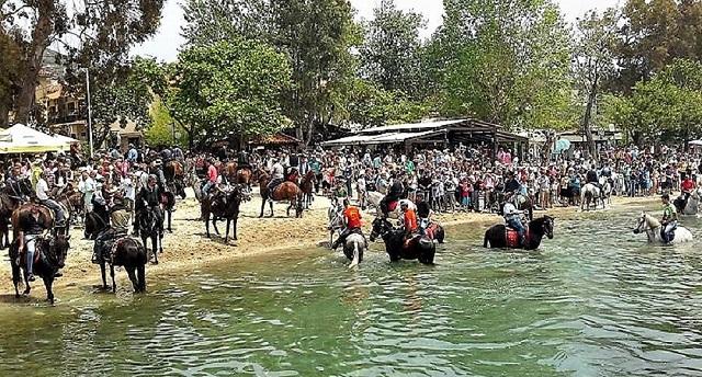 Αγιασμός και παρέλαση αλόγων στα Καλά Νερά