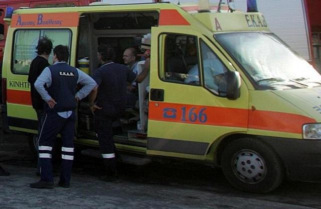 Αυτοκίνητο καρφώθηκε σε σπίτι στην Δράμα. Νεκρός ο 80χρονος οδηγός