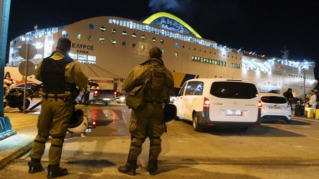Απόδραση κρατουμένων στο λιμάνι του Πειραιά