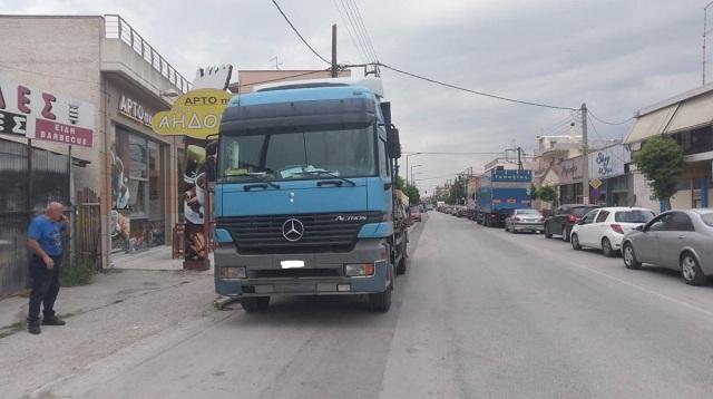 Υπέκυψε στα τραύματά της η γυναίκα που παρασύρθηκε από νταλίκα στη Λάρισα