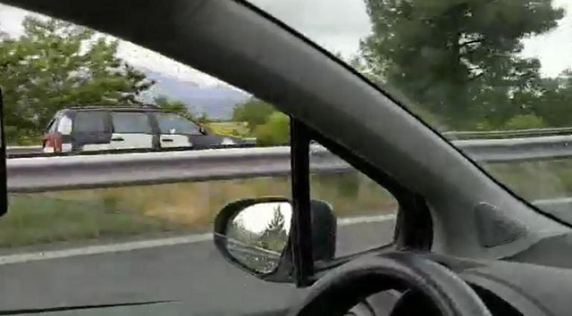 Προκάλεσε… χάος και τροχαίο! Οδηγούσε για χιλιόμετρα ανάποδα στην Εθνική [βίντεο]