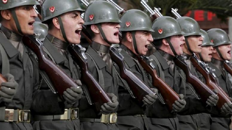 Συνελήφθησαν 300 στρατιωτικοί στην Τουρκία για σχέση με τον Γκιουλέν