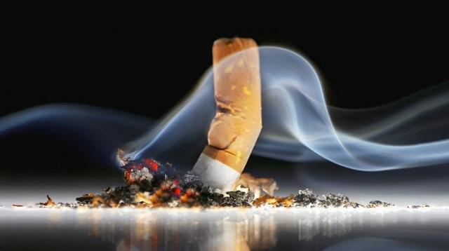 Πρόστιμα σε δυο υπαλλήλους του Δήμου Τρικκαίων, που κάπνιζαν εν ώρα υπηρεσίας