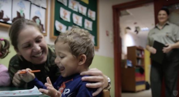 Γιορτή της Μητέρας: Το ιδιαίτερο βίντεο του ΓΕΣ για τις γυναίκες-στελέχη του Στρατού Ξηράς