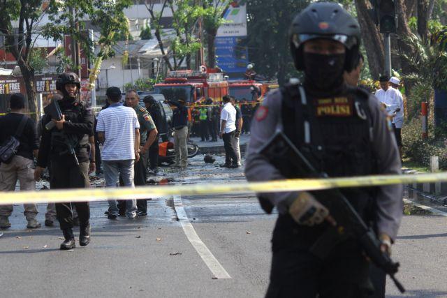Ινδονησία: Νεκροί από επιθέσεις αυτοκτονίας σε τρεις εκκλησίες