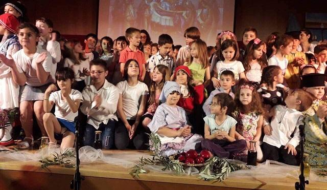 Γιορτή από τα παιδιά προσχολικής ηλικίας των κατηχητικών