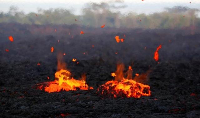 Εξερράγη το ηφαίστειο Κιλαουέα: Λάβα, καπνοί, στάχτες παντού [εικόνες-βίντεο]