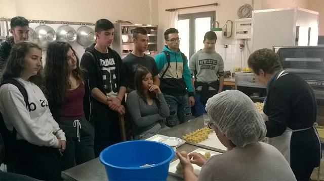 Μαθητική επίσκεψη στον Γυναικείο Συνεταιρισμό Αλοννήσου