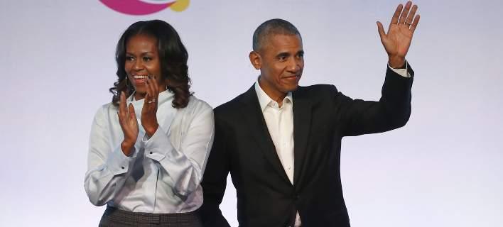 Οι Ομπάμα υπέγραψαν συμφωνία με το Netflix για ταινίες, σειρές και ντοκιμαντέρ