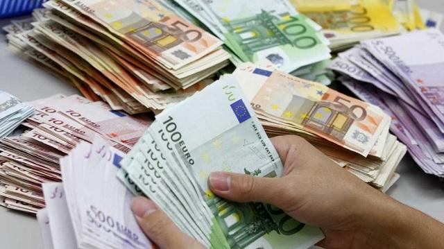 Ιστορίες απείρου κάλλους: Τα πιο απίθανα σημεία που έχουν κρύψει πολίτες τα λεφτά τους