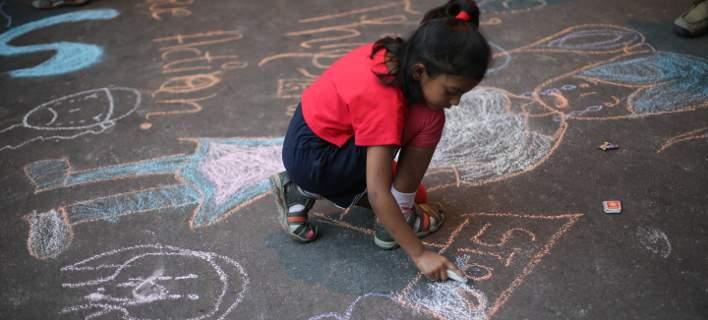 Ινδία: Θα επιβάλλεται θανατική ποινή για βιαστές κοριτσιών κάτω των 12 ετών