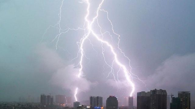 Κίνα: Πάνω από 4.437 άνθρωποι εγκατέλειψαν τις εστίες τους εξαιτίας των ισχυρών βροχοπτώσεων