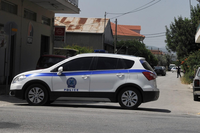 Αγρια δολοφονία γυναίκας με δυο σφαίρες στο κεφάλι στην Μάνδρα Αττικής