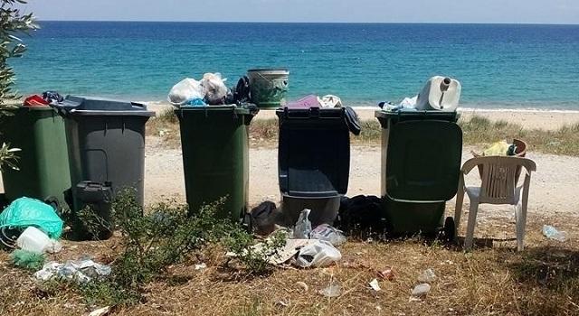 Μεταφέρουν τα σκουπίδια σε διπλανά χωριά!