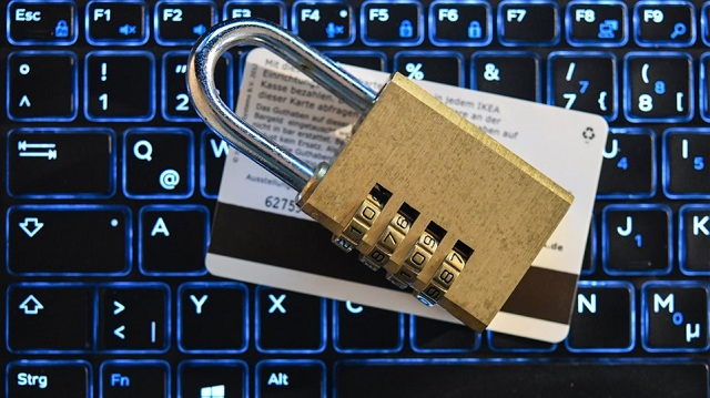 Σε «πανικό» οι εταιρείες με τον νέο κανονισμό για τα προσωπικά δεδομένα