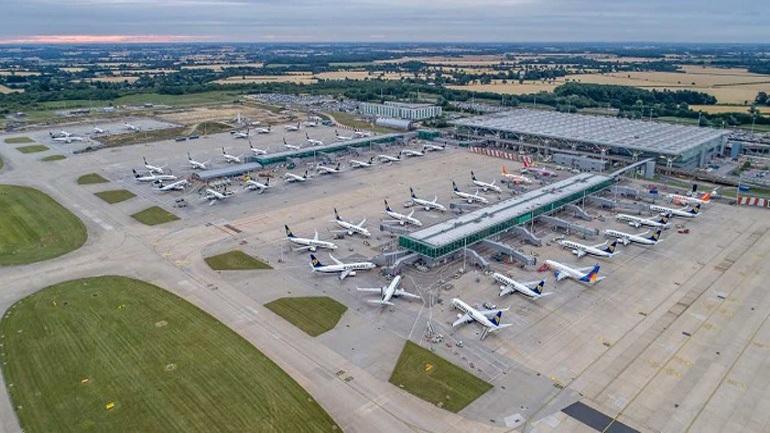 Λονδίνο: Αναστάτωση στις πτήσεις στο αεροδρόμιο Στάνστεντ εξαιτίας κεραυνών