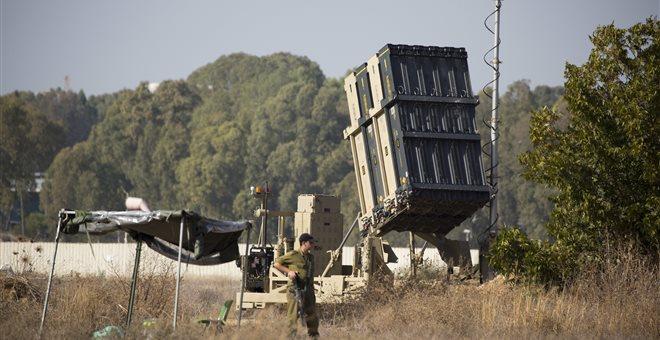 Δεκάδες βλήματα εκτοξεύτηκαν προς το Ισραήλ από την Γάζα