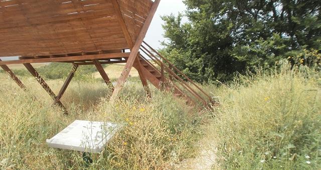 Καταγγέλλουν εγκατάλειψη των λιμνών των μετεωριτών