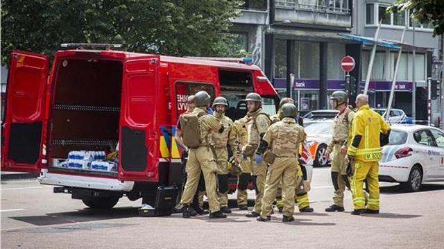 Λιέγη: Τρομοκρατική ενέργεια η επίθεση. Με άδεια από τις φυλακές ο δράστης