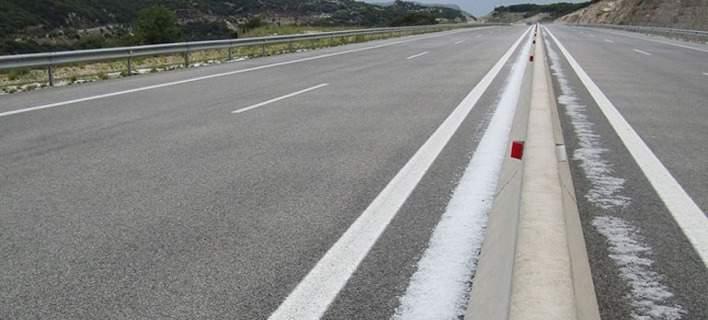 Ιωάννινα: Εκχιονιστικά μηχανήματα στην Ιόνια Οδό λόγω... χαλαζόπτωσης