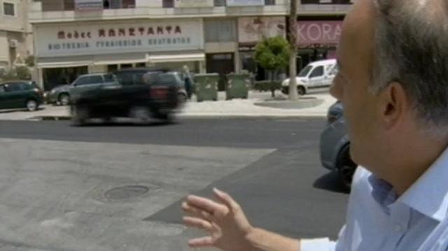 Δρόμος στη Γλυφάδα ασφαλτοστρώθηκε μισός λόγω... διαμάχης με το Ελληνικό!