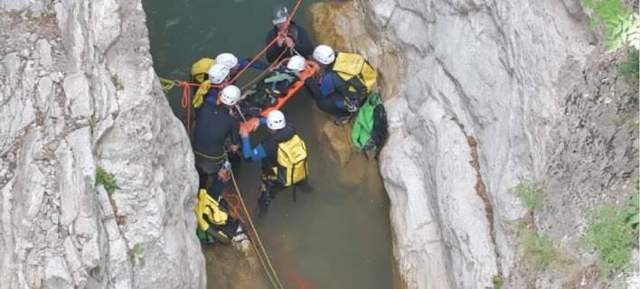 Ασκηση της ΕΜΑΚ σε φαράγγι: Εντυπωσιακές εικόνες και βίντεο