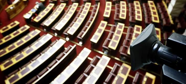 Στη Βουλή η συζήτηση του πολυνομοσχεδίου με τα προαπαιτούμενα -Φόροι, ΕΝΦΙΑ, περικοπές συντάξεων