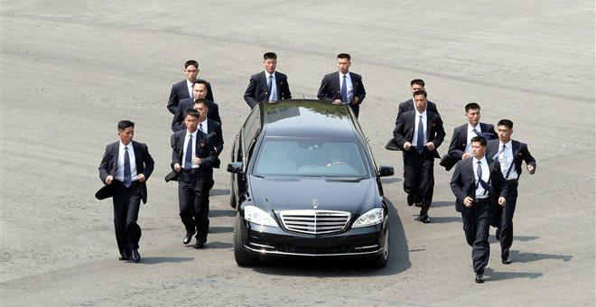 Ξανά στο τρέξιμο … οι φρουροί του Κιμ Γιονγκ Ουν