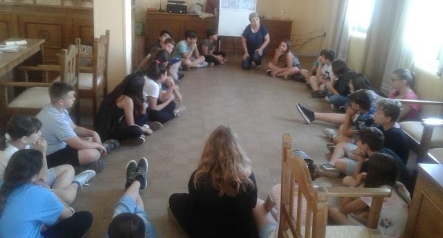 Δημιουργικές δράσεις για παιδιά στην αίθουσα εκδηλώσεων του ΟΛΒ