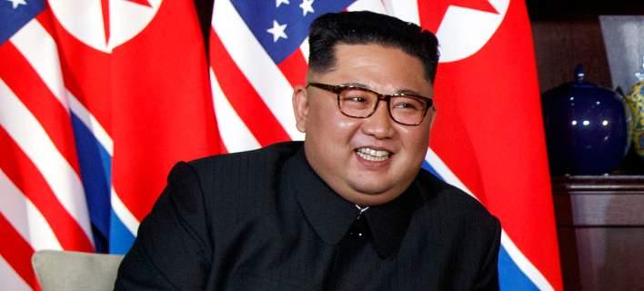 Η Βόρεια Κορέα πανηγυρίζει για τη «νίκη» του Κιμ και την άρση των κυρώσεων