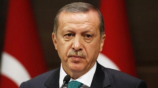 Δημοσκόπηση: Μειώνεται η δημοτικότητα του Ερντογάν, θα χρειαστεί δεύτερος γύρος για να εκλεγεί