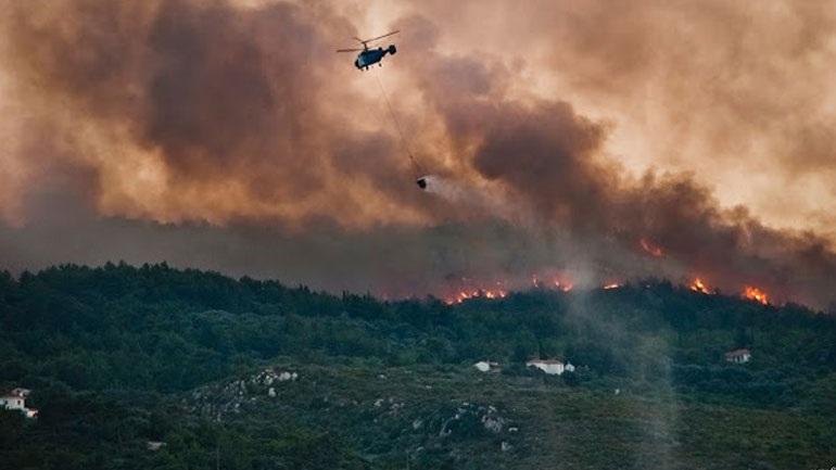 Μεγάλη πυρκαγιά στην Αλόννησο. Εκκενώθηκε ξενοδοχείο