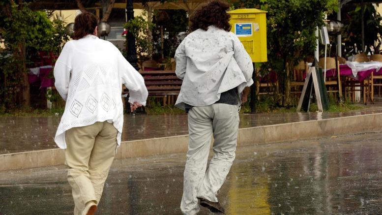 Ισχυρή χαλαζόπτωση στη Θεσσαλονίκη [βίντεο]