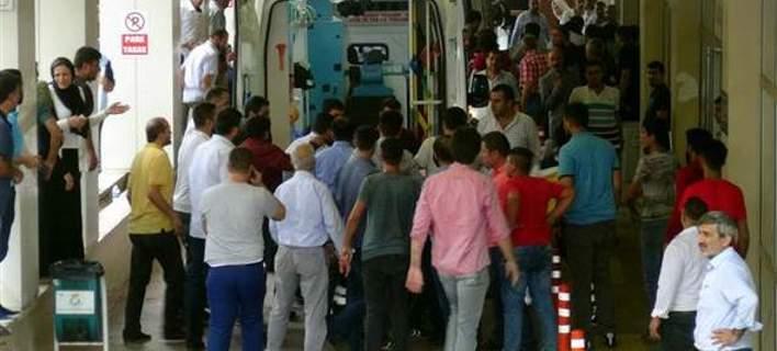 Επίθεση ενόπλων σε προεκλογική συγκέντρωση του κόμματος Ερντογάν -Τρεις νεκροί