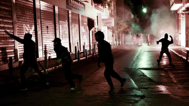 11 συλλήψεις για επίθεση σε αστυνομικούς στα Εξάρχεια