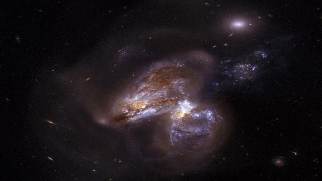 Για πρώτη φορά παρατήρησαν μία τεράστια μαύρη τρύπα να «καταπίνει» άστρο