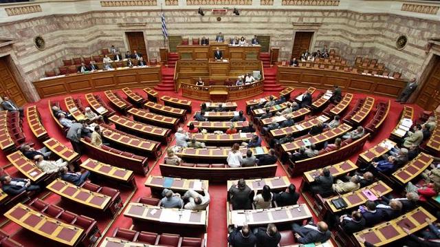 Πρόταση μομφής: Η ώρα των αρχηγών - 3η μέρα μάχης στη Βουλή