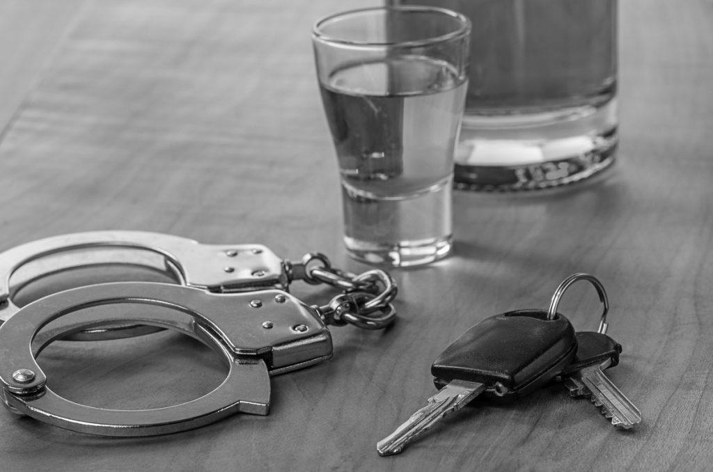 Τροχαίο υλικών ζημιών με μεθυσμένους οδηγούς στο κέντρο του Βόλου