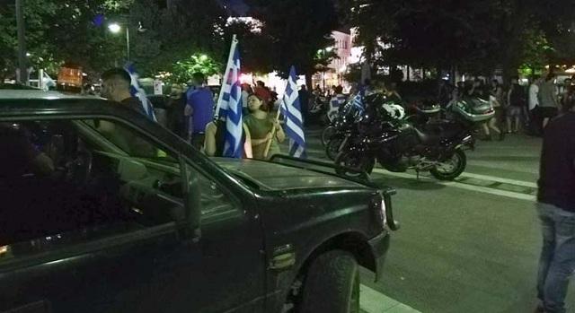 Μηχανοκίνητη διαμαρτυρία για τη Μακεδονία στο κέντρο της Λάρισας [εικόνες-βίντεο]