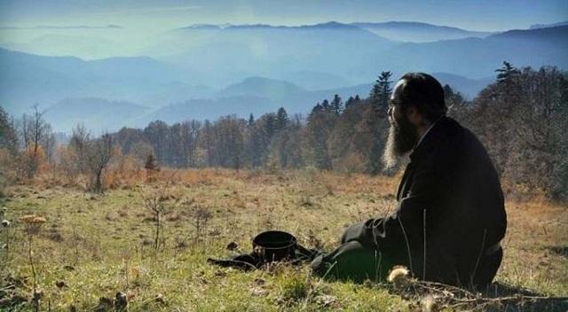 Αγρότης σε χωριό της Φαρκαδόνας απελπίστηκε και κάλεσε παπά να διαβάσει τα χωράφια του