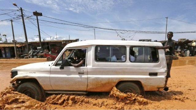 Ακτή Ελεφαντοστού: Τουλάχιστον 18 νεκροί από καταρρακτώδεις βροχές