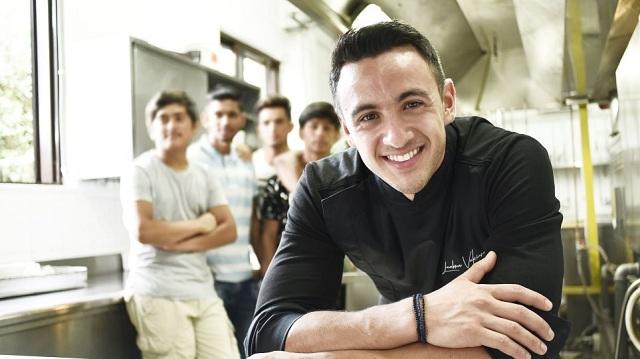 Ένας Master Chef στην κουζίνα με τα παιδιά της «Αποστολής» [εικόνες-βίντεο]