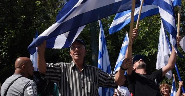 Απολογείται ο Αρτέμης Σώρρας: Συγκέντρωση έξω από τα δικαστήρια