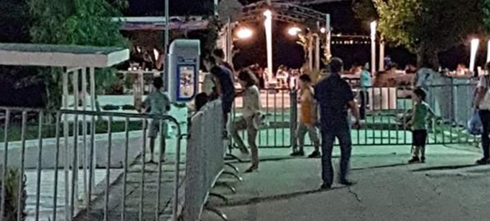 Υπάλληλος στην Πάτρα κλείδωσε γήπεδο γεμάτο κόσμο επειδή τελείωσε το ωράριό του [εικόνες]