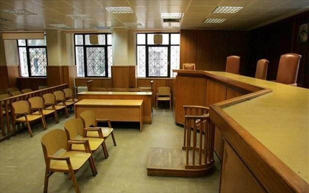 Φυλάκιση 36 μηνών στον 64χρονο που αυνανίστηκε μπροστά στα παιδιά στην Ελασσόνα