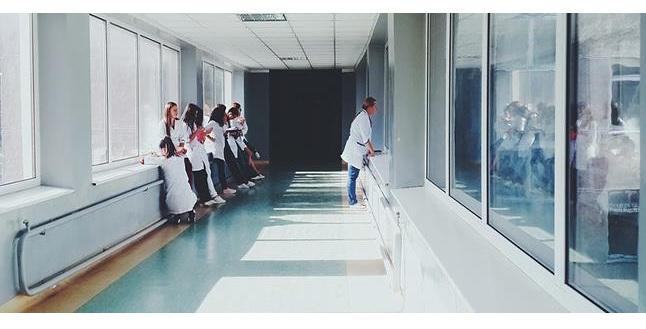 Σε αναμμένα κάρβουνα οι επικουρικοί του Νοσοκομείου Βόλου