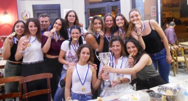 Γεύμα και βράβευση για τη γυναικεία ομάδα βόλεϊ της Νίκης