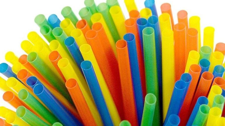 ΗΠΑ: Το Πόρτλαντ η επόμενη πόλη που απαγορεύει τα πλαστικά καλαμάκια