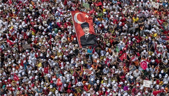 Συλλαμβάνουν ξένους παρατηρητές στην Τουρκία